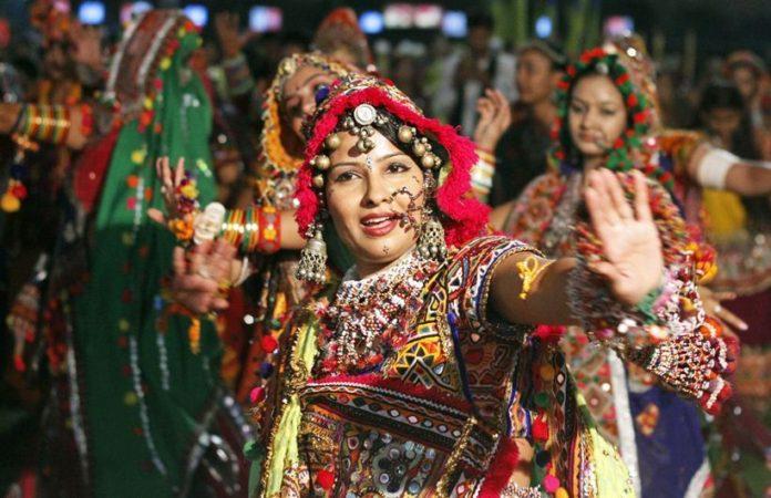 Chaniya Choli – A colorful traditional dress of Navratri