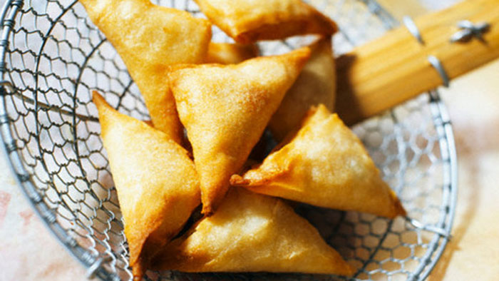 Samosa – A  triangular Pastry Filled With Vegetables
