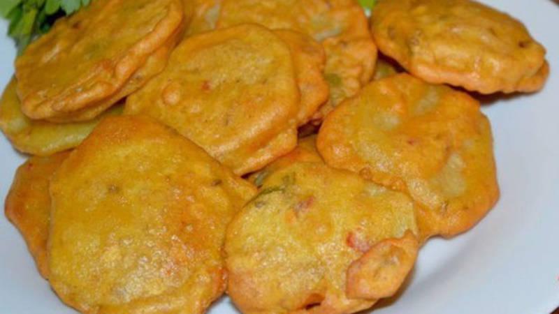 Crispy Aloo Pakora / Potato Fritters