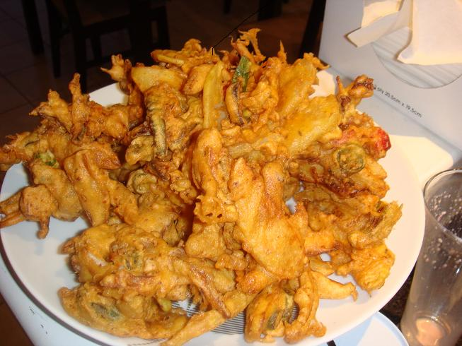 Pakoras – Indian Vegetables Fritters