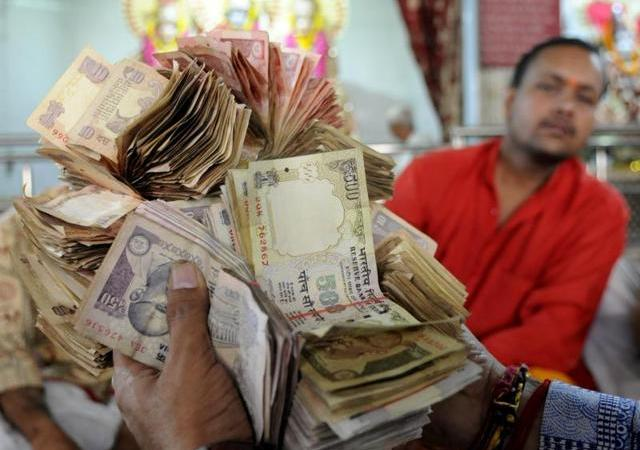 Deposit above Rs 2.5 Lakh to face tax and a penalty of 200%