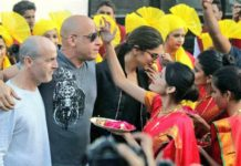 Deepika and Vin receiving grand welcome