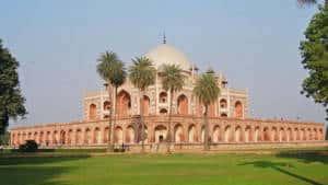Humayun Tomb far view