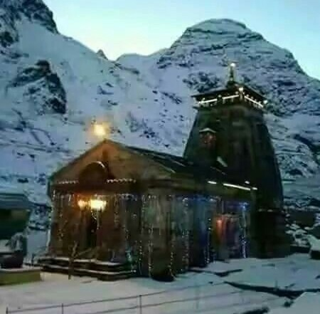 Kedarnath Temple During Winters