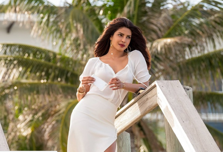 Priyanka Chopra looking super sexy and powerful villian in Baywatch Trailer 3