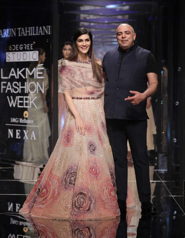 10 Top Fashion Designers In India Ritiriwaz