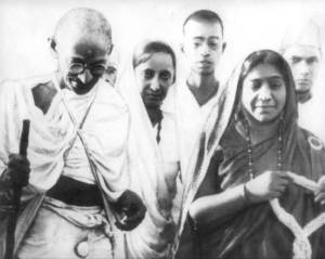 Sarojini with gandhiji