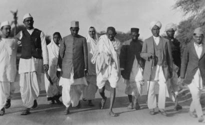Mahatma Gandhi | Father Of The Nation | RitiRiwaz
