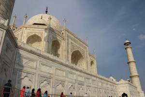 Precious gems and stone used in Taj Mahal