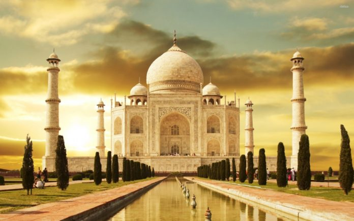 Taj Mahal in Agra – A heritage of India