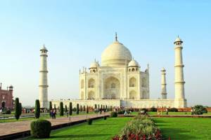 Tourist Magnet Taj Mahal