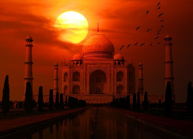 Different Hue Of Taj Mahal