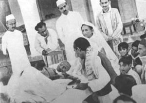 Gandhi fasting