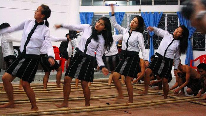 Mizo Cheraw Bamboo Dance