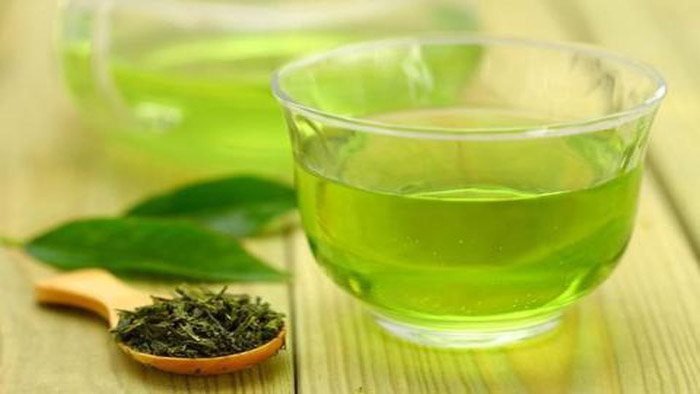 Advantages and Disadvantages of Drinking Green Tea