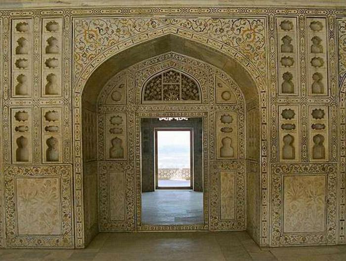 Agra Fort inner walls