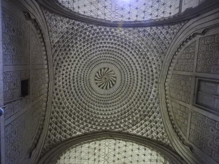 Bibi Ka Maqbara ceiling