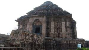Konark Sun Temple closer
