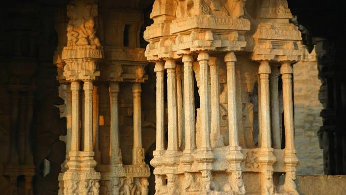 vitthala temple pillars