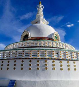 ladakh stupa